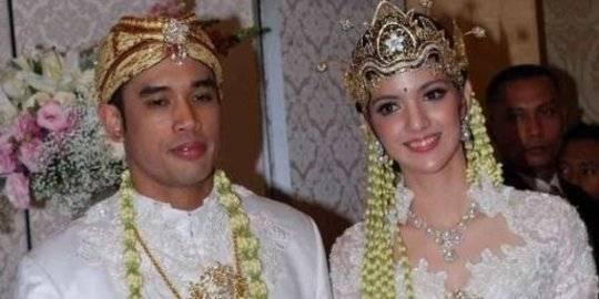 Ardi Bakrie dan Nia Ramadhani. ©2019 Merdeka.com