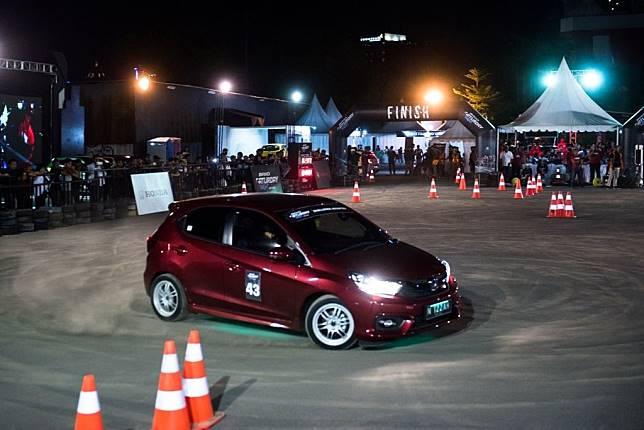 Seri ketiga Brio Saturday Night Challenge (BSNC) yang digelar di Surabaya berhasil catatkan rekor partisipan terbanyak.