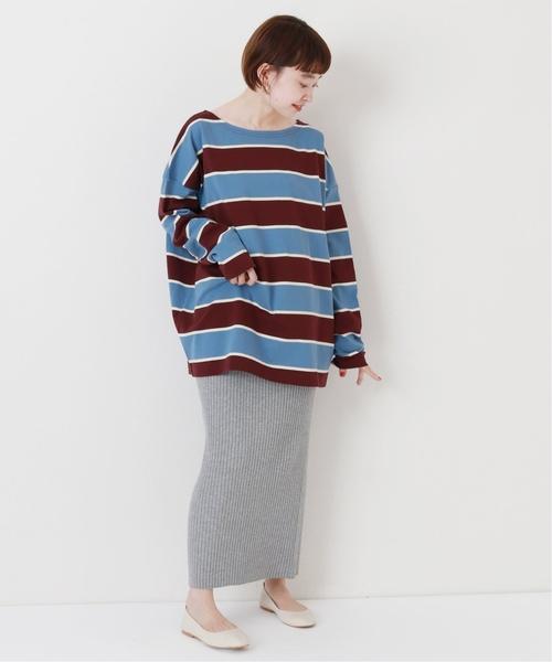 酒紅色粗橫條紋巴斯克衫搭配羅紋長裙