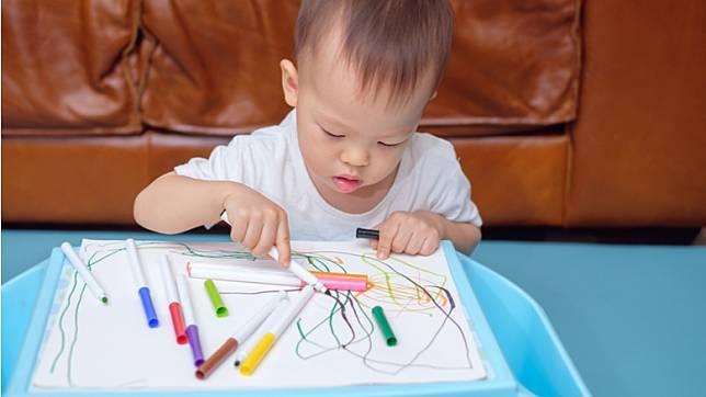 พัฒนาการกล้ามเนื้อมัดเล็ก : การเขียนหนังสือและการวาดรูป