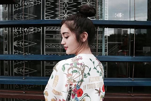 Gaya Rambut Ranty Maria Yang Cantik Ini Bikin Jatuh Cinta
