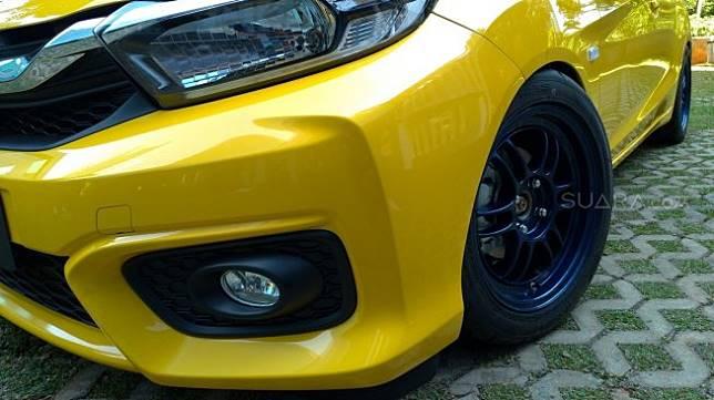 Tampilan grille dan over fender mobil modifikasi yang bakal muncul di IMX 2019 [Suara.com/Manuel Jeghesta Nainggolan].