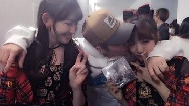 Justin Bieber強吻AKB48兩成員 日宅揚言要殺掉JB復仇