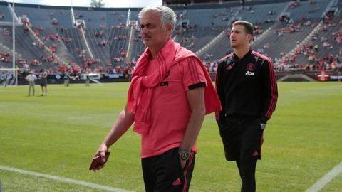Beda Solskjaer dengan  Jose Mourinho di Tur Pramusim MU