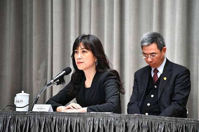行政院發言人 Kolas Yotaka (左)。( 圖 / 行政院提供 )