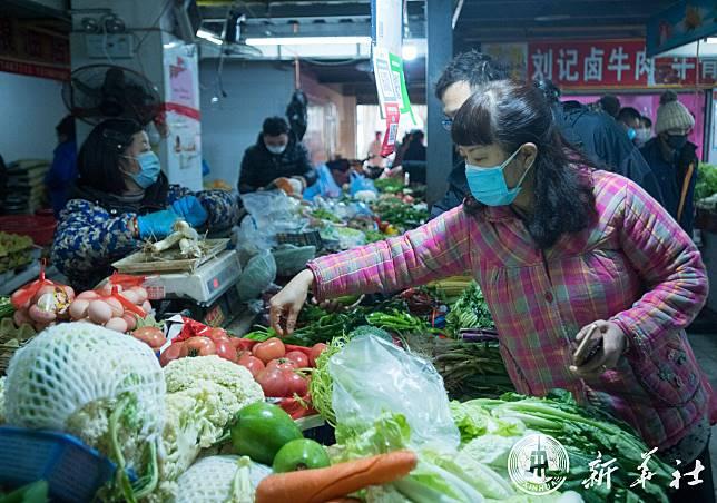 จีนหนุนรักษาผู้สูงอายุ-ผู้ป่วยหนักติดเชื้อไวรัสฯ ย้ำ 'ห้ามปิดบังความจริง'