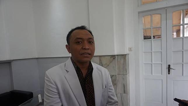 Detik-detik Dokter Potong Cincin yang Lukai Jari Manis Mahasiswi Bandung