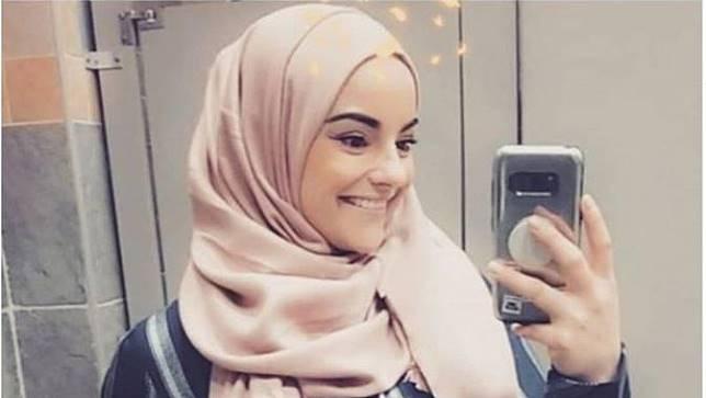 Perempuan Cantik Ini Jadi Petugas Damkar Berhijab Pertama di Kanada