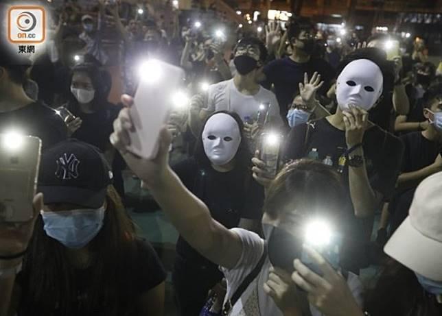 示威者經常在抗議活動中蒙面。