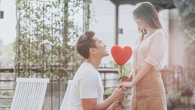 Tips Membuat Pasangan Merindukanmu