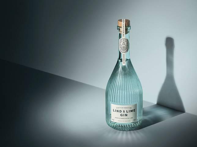 酒包裝設計Lind & Lime Gin榮獲2019年Dieline Awards「全場最佳獎項」。(圖片來源:Lind & Lime Gine官網)