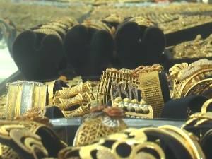 Harga Emas di Makassar Tembus Rp 1 Juta Satu Gram