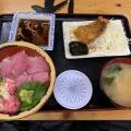天然ぶり丼(日替わり) - 実際訪問したユーザーが直接撮影して投稿した西新宿魚介・海鮮料理タカマル鮮魚店本館の写真のメニュー情報