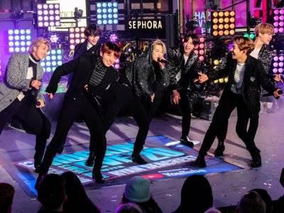 Raih Posisi Teratas, BTS Samai Rekor Chart Billboard Justin Bieber