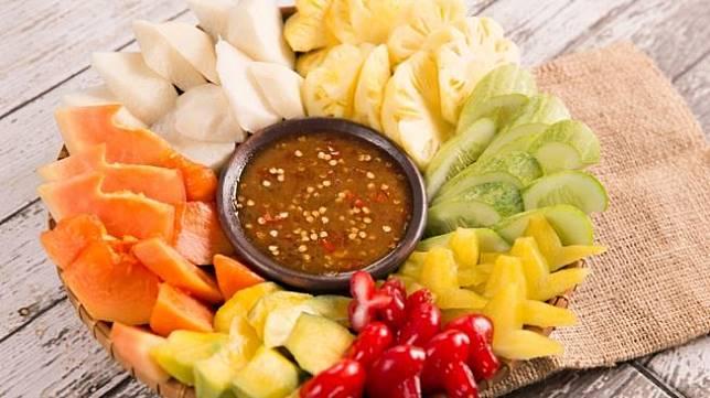 Rujak buah. [Shutterstock]