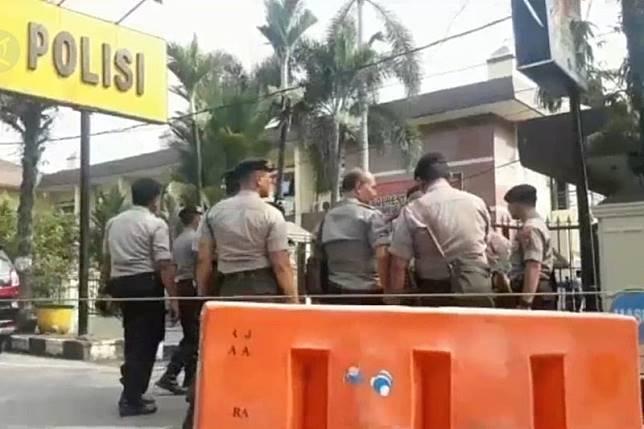 Polda Banten benarkan Densus 88 amankan 4 orang di Banten terkait bom Medan