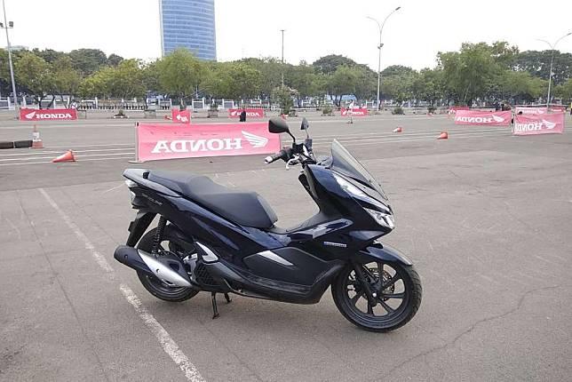 Mau Beli Honda PCX Bulan Ini? Ada Diskon Hingga Potongan Angsuran