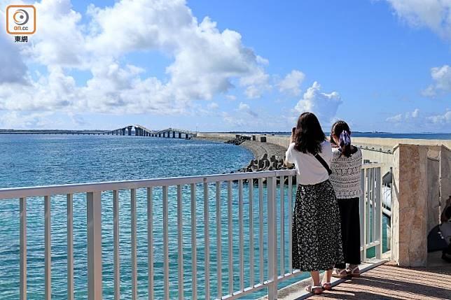 2015年落成的伊良部大橋長達3,540米,是全日本最長的免費大橋。(李家俊攝)