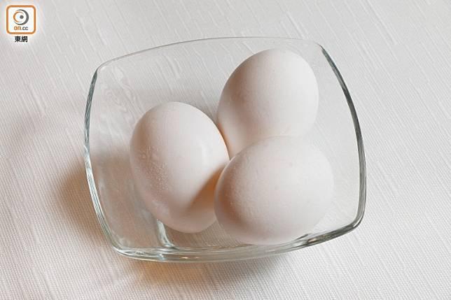 日本蛋和意大利蛋,味道較一般蛋來得濃郁,蛋黃亦特別黃。(郭凱敏攝)