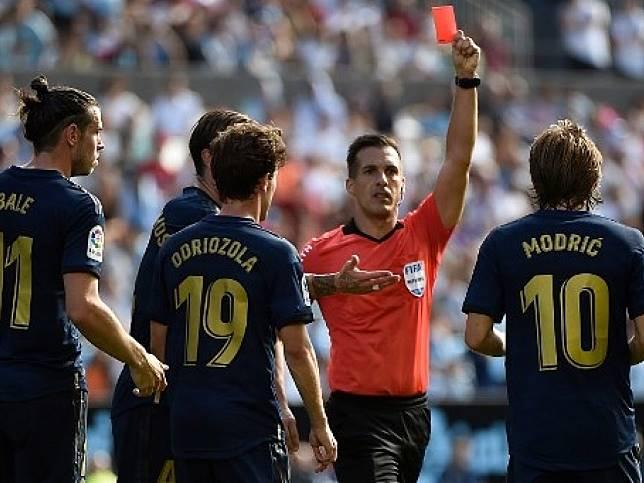 皇家馬德里作客3:1擊敗切爾達,摩迪因為從後踢人,紅牌被逐。(法新社)