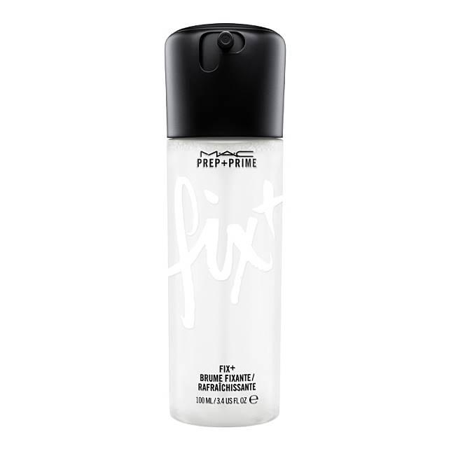 M.A.C Prep+ Prime Fix+既可作妝前補濕,又可作妝後定妝及補水,加上還推出玫瑰、椰子和薰衣草香味,十分討好。(互聯網)