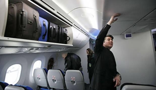 Sebab Dilarang Bawa Barang Lebih dari 7 Kilogram ke Kabin Pesawat