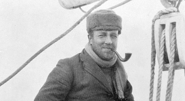 Sir Douglas Mawson bertahan hidup di Antartika yang dingin.