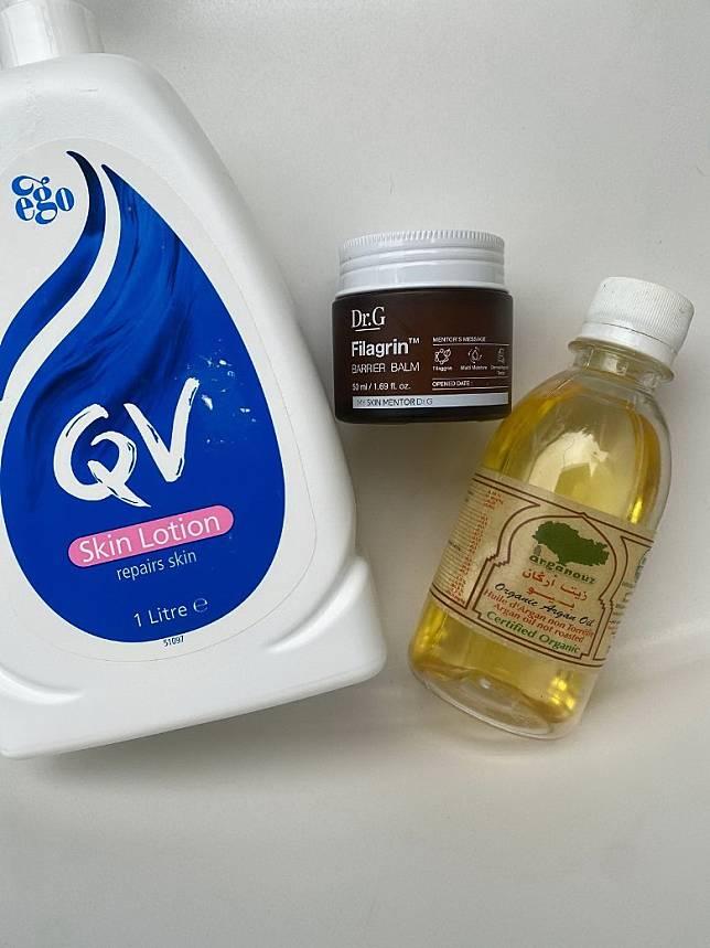 家中暫時只有這3款敏感必用產品,DR. G Filagrin在莎莎有售,QV Lotion一般藥房有售,摩洛哥堅果油名符其實在摩洛哥買回來,之前已用了大半瓶,現所餘無幾!(Mon提供)