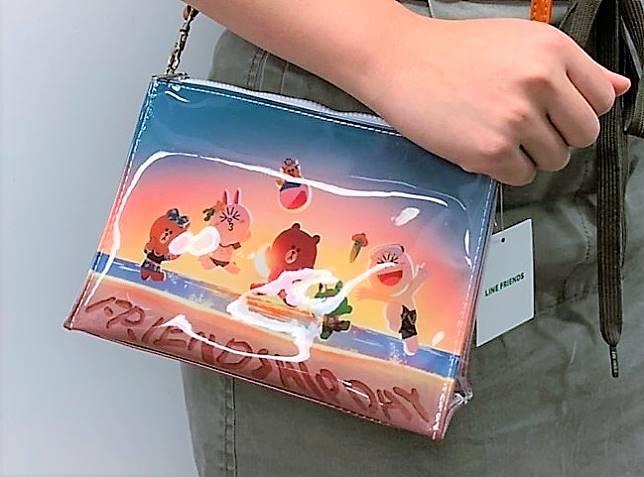 BROWN&FRIENDS沙灘主題斜揹袋($69/個)