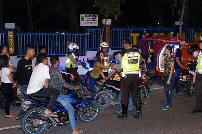 Nggak Terima Dirazia, 2 Pelajar SMP Nekat Lempar Petasan ke Markas Polda Riau