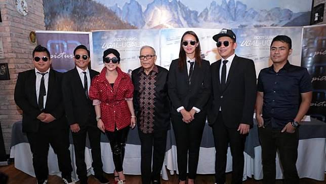 Main Film Bodyguard Ugal Ugalan Syahrini Santai Tak Baca Skenario Bintang Com Line Today