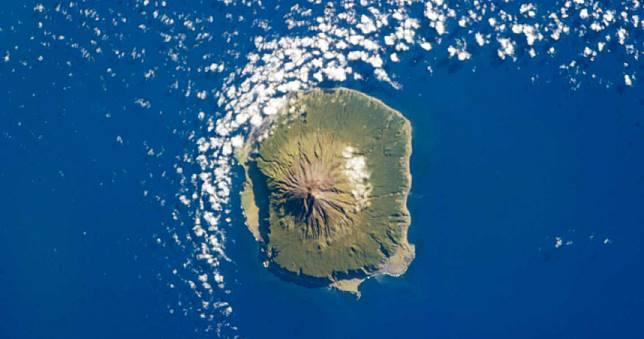 與世隔絕!293人定居海島「地球最偏遠」每年僅2船班可抵