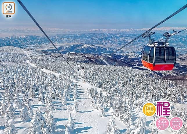 大家可乘坐纜車,從高空欣賞藏王樹冰的震撼畫面。(相片Shutterstock)