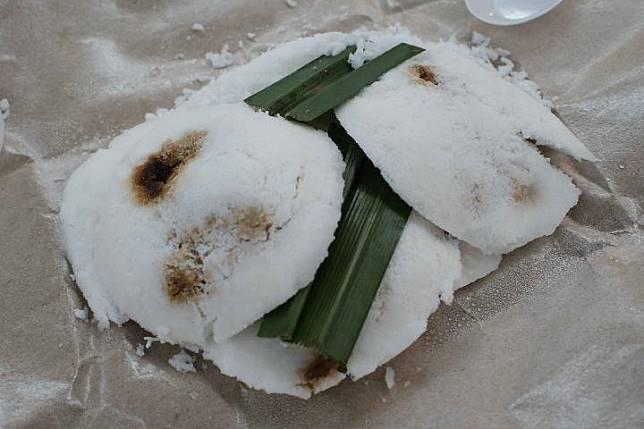 Perbedaan Kue Putu Singapura dan Indonesia, Lebih Enak Mana?