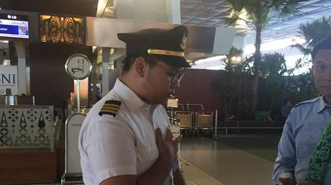 Pilot Garuda Gadungan ditangkap di Bandara Soetta. (Istimewa/dok polisi)