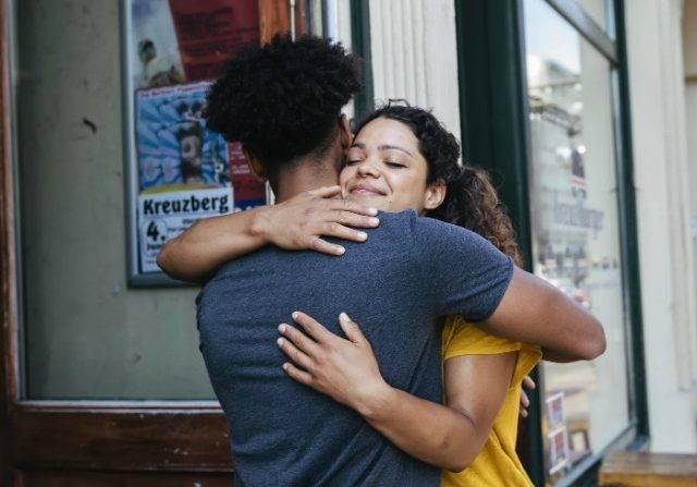5 Cara Meminta Maaf Pada Pasangan yang Sudah Marah dan Kecewa