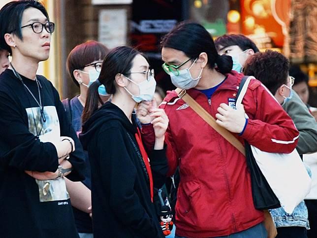 市民戴口睪防疫。