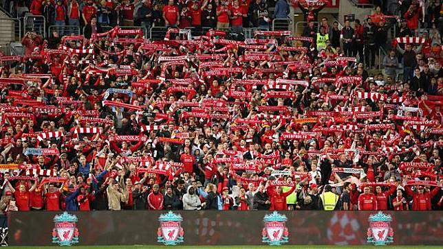Liverpool Subsidi Tiket Suporter yang Sambangi Markas Barcelona