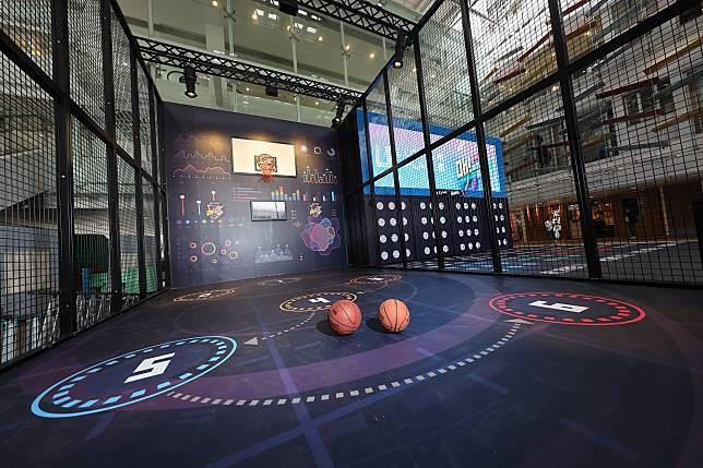 地板上有6個指定位置,參加者要按順序射籃,成功入球後可移到下一個數字。