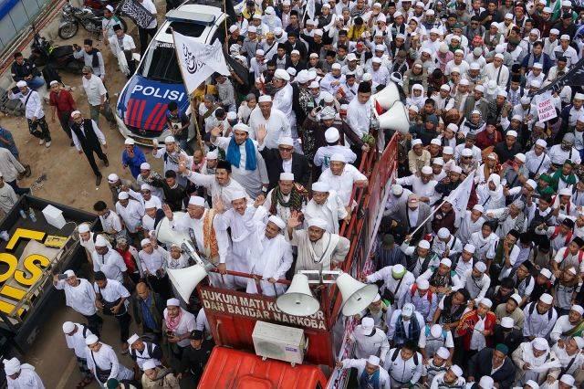 Massa aksi damai bela Islam. (Foto: Aditia Noviansyah/kumparan)