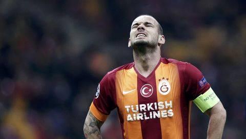Sneijder Umumkan Pensiun Agen Kebingungan