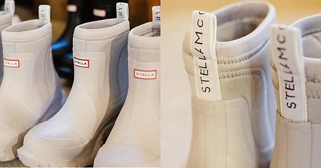靴款正面原本的「HUNTER」字樣就換成「STELLA」,靴筒亦有印上「STELLA McCARTNEY」字樣的織帶拉環。 (互聯網)