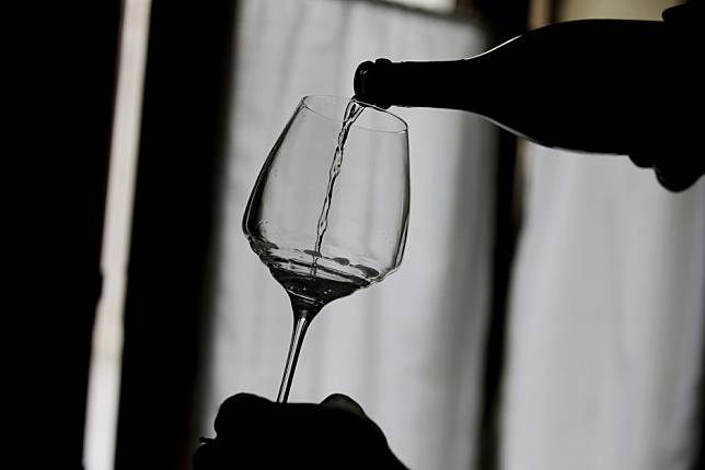 Coronavirus: Italian prosecco maker apologises after owner asks China to pay compensation