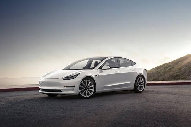 Tesla ingin produksi Model 3 varian terbaru di China