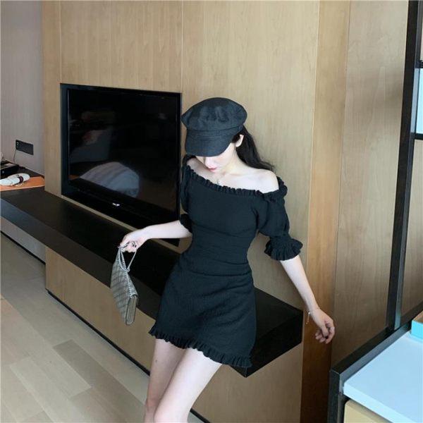 韓版風性感露肩木耳邊一字領短袖連身裙純色修身包臀裙