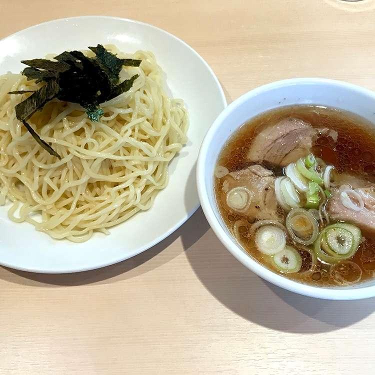 新宿区周辺で多くのユーザーに人気が高いつけ麺らあめん 満家のざるらあめんの写真
