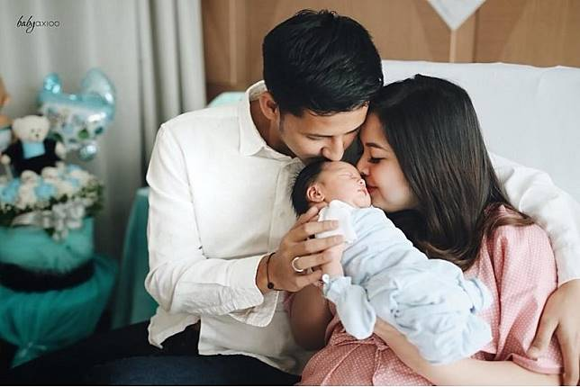 3 Pasangan Selebritis Ini Dianugerahi Buah Hati di Bulan Ramadan 2019