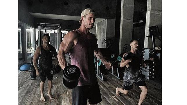 Chris Hemsworth Jadi Pria Tertampan Versi Top Beauty World, Ini 6 Potretnya saat Olahraga