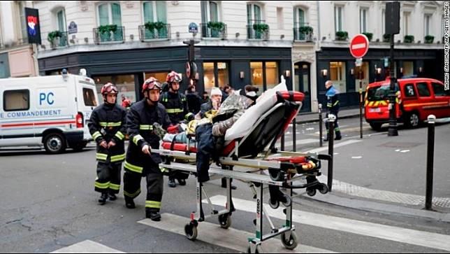 ความคืบหน้ากรณีระเบิดกลางกรุงปารีส มีทั้งผู้เสียชีวิตและบาดเจ็บเพิ่มขึ้น