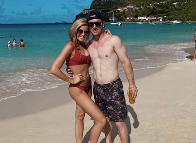 Alex Bregman與女友一起到小島度假。(圖/取自TMZ)